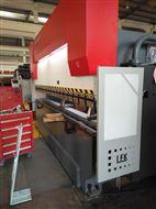 自动机械式补偿工作台160吨伺服电液折弯机